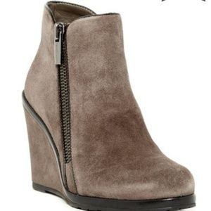 Vince Camuto Jeffers Zip Wedge Bootie Taupe